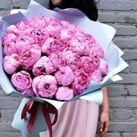 Букет 31 розовый крупный пион в упаковке R024
