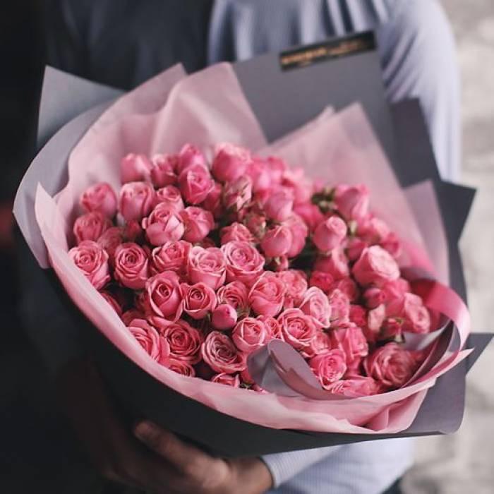Большой букет 51 розовая кустовая роза R067