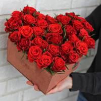 Сердце из роз R013