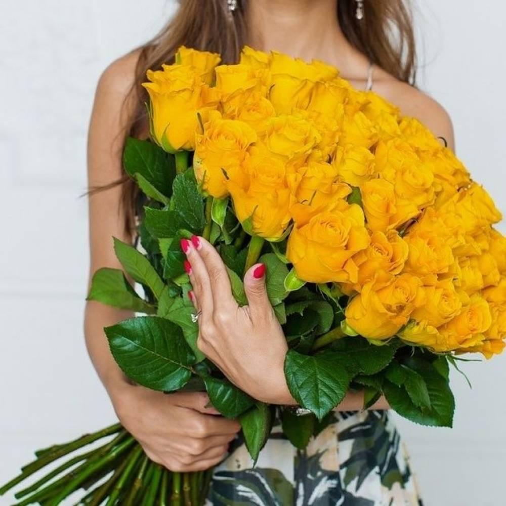 Открытки с желтыми розами девушки