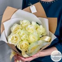 Белые розы R010