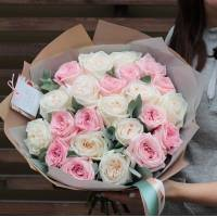 Букет 21 пионовидная кремовая роза R008