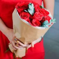 Красные розы R025