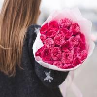 Букет 19 пионовидных роз R012