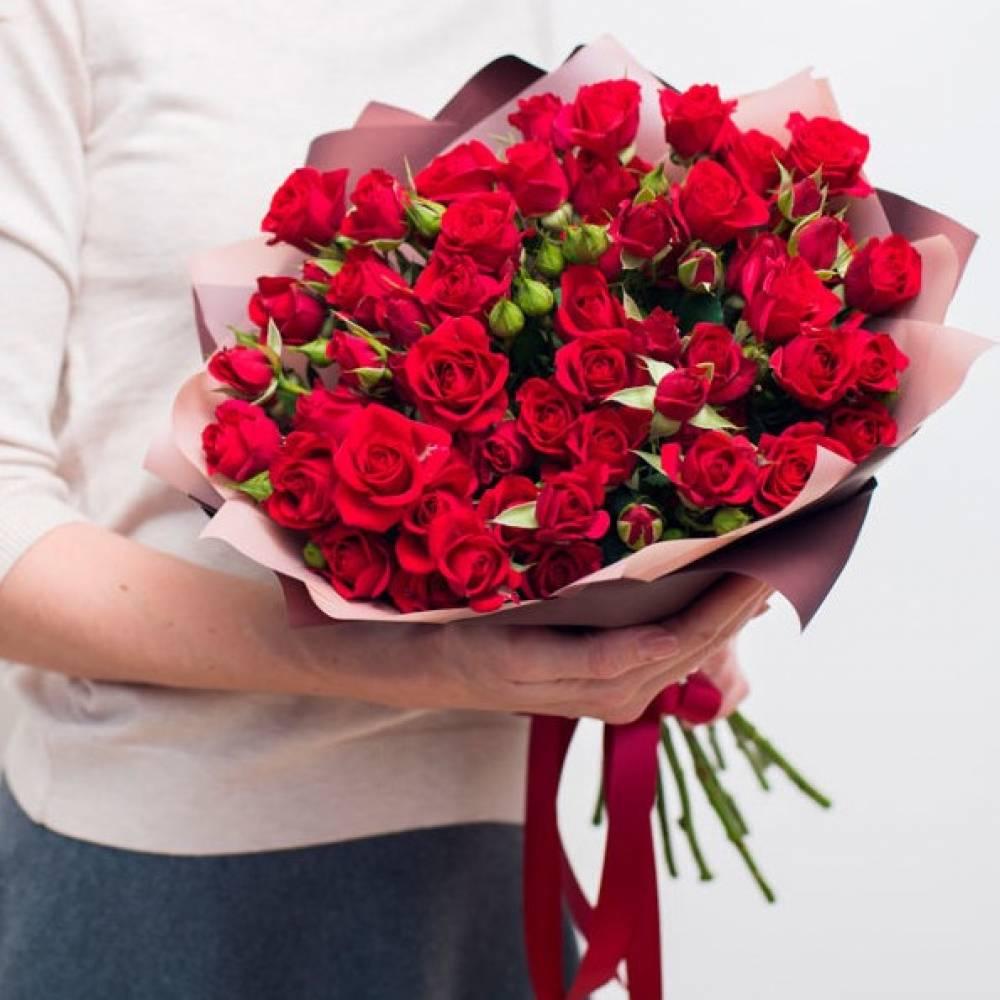 Доставка цветов и подарков спб