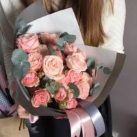 Букет 9 веток пионовидной кремовой розы R465