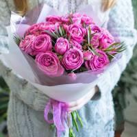 Букет 11 кустовых пионовидных розовых роз R014