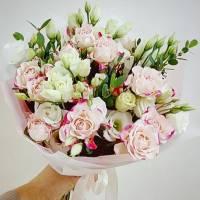Сборный букет с белыми розами R496