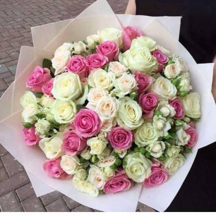 Белые розы R025