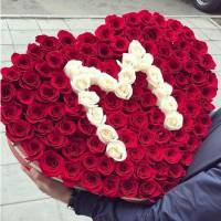 Сердце из роз R029
