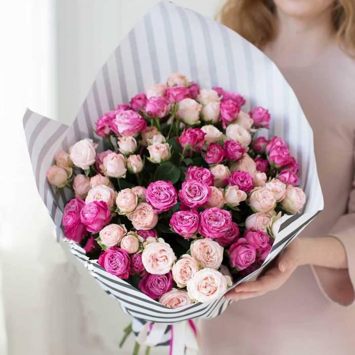 15 веток пионовидных роз R032