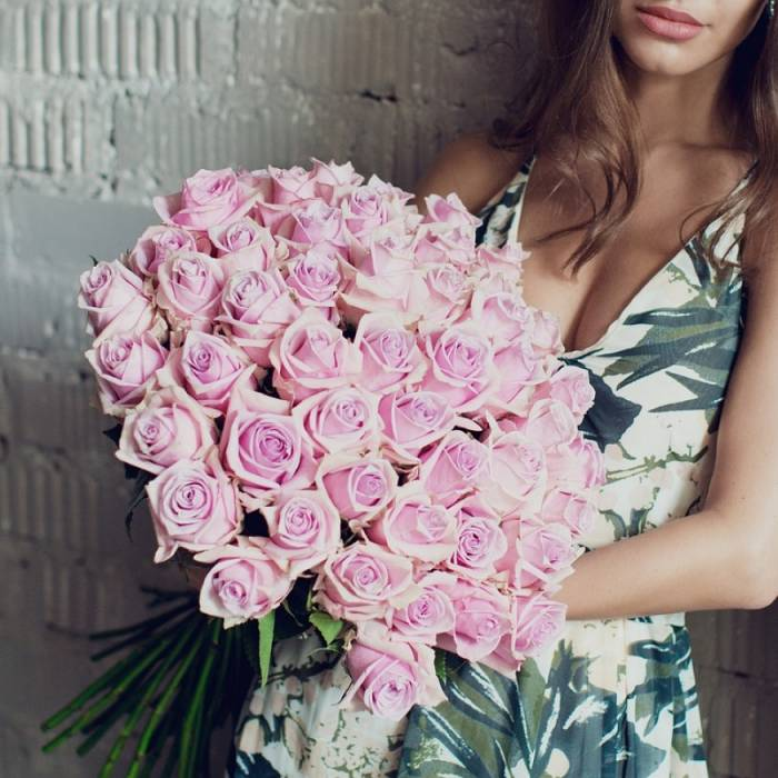 Букет 45 крупных розовых роз R601